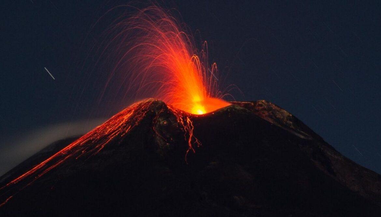 etna eruzione regione siciliana 5 milioni