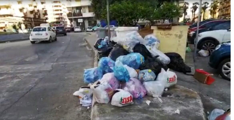 rifiuti piazza tosti