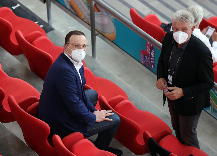 Il sindaco di Monaco di Baviera ha tuonato contro l'Uefa