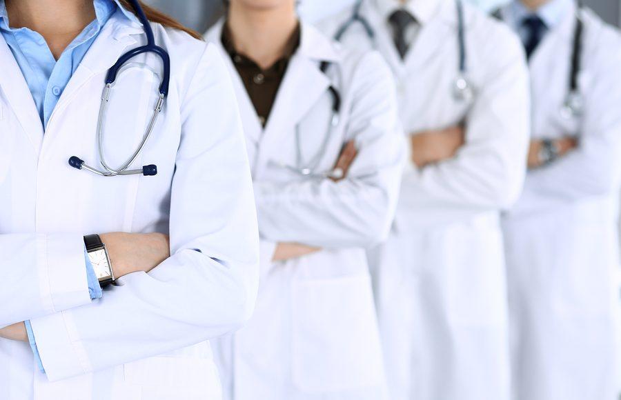 medici non vaccinati