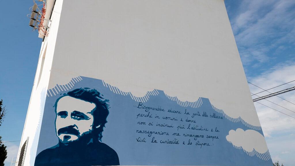Il murale che ritrae Peppino Impastato a Campobello di Mazara