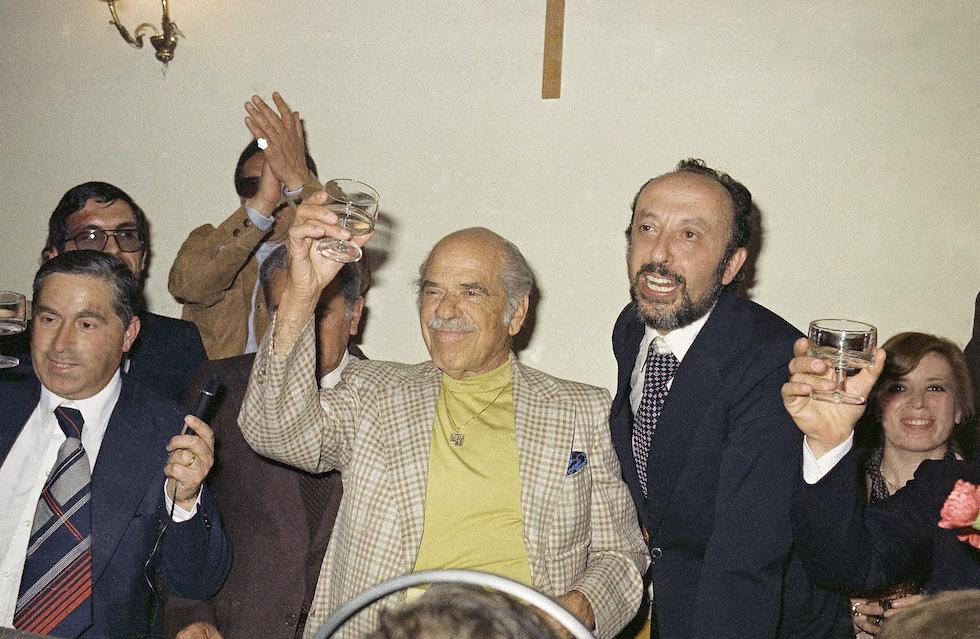 Frank Capra in visita a Bisacquino, il suo paese natale, alla fine degli anni settanta