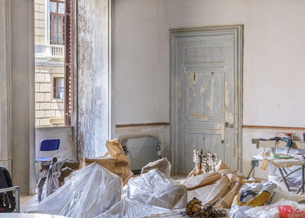 """Attualmente, sono in corso i lavori nel piano nobile e nella parte laterale, lungo il confine con """"La Martorana"""""""